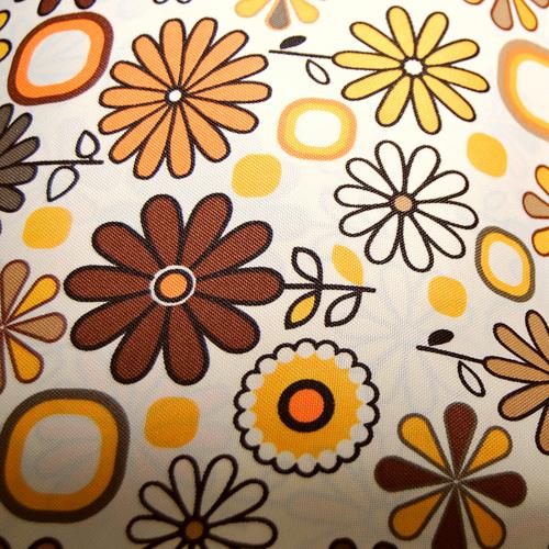 Poliester - brązowe kwiaty na tle ecru